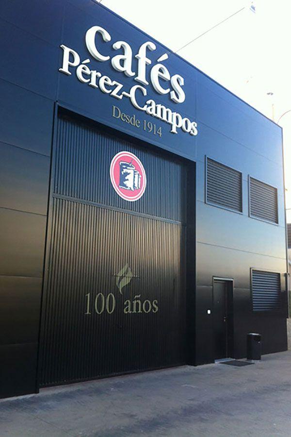 Cafés Pérez Campos puerta