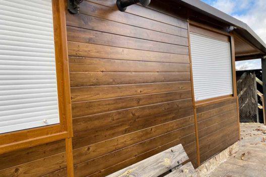 Casa de panel sándwich imitación madera exterior